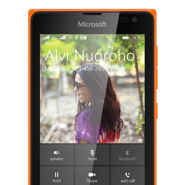 Lumia-435-DSIM-Skype