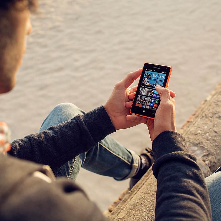 Lumia-435-DSIM-Denim