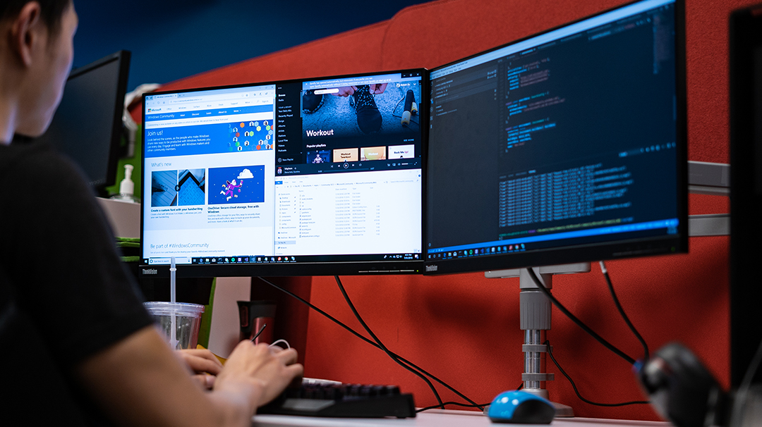 to put your work on maximum display connect multiple monitors rh community windows com